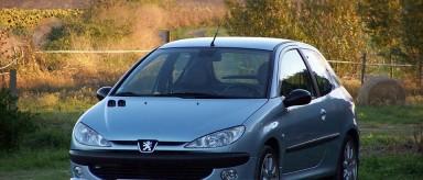 کاهش قیمت 100 هزار تا 1 میلیونی خودروهای داخلی