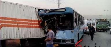 1 کشته و 16 زخمی در تصادف شدید اتوبوس شرکت واحد و کامیون