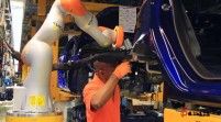 ربات های خودروساز جدید فورد،دست در دست انسانها!