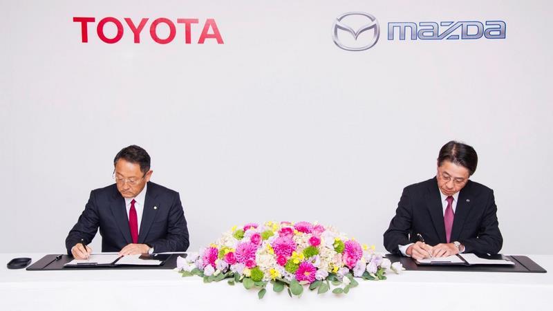 همکاری تویوتا و مزدا برای ساخت خودرویی الکتریکی