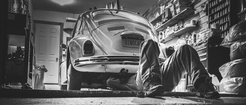 تعمیرات خودروهای الکتریکی