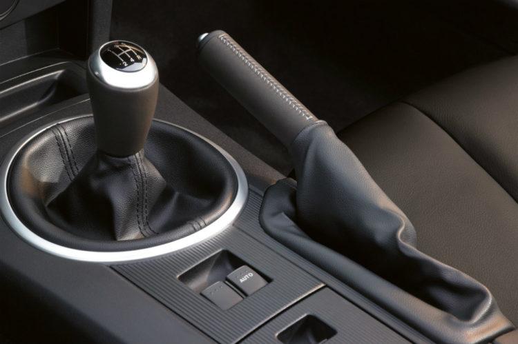 دنده مناسب برای پارک کردن خودروهای دستی